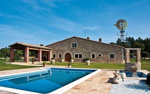 Hipica-Girona-swimmingpool