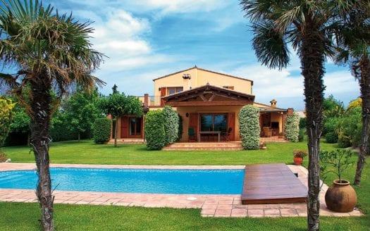 Peralada-Golf-Pool-Haus