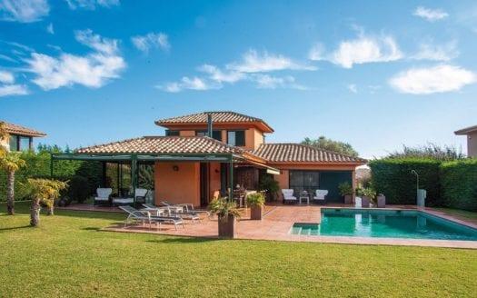 Property-Golf-Navata-villa